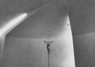 Karl-Henning Seemann: Andachtsraum mit Kruzifix